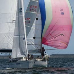 Longnose and Waza Rager flex their muscles in a duel downwind in the 8 November LB&B race
