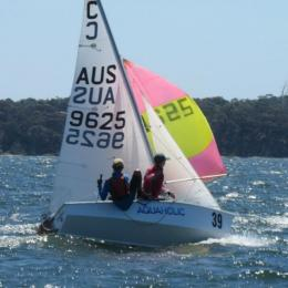 Oh that we could be so agile.  Luca and Jack in Aquaholic in Div racing 21 Feb