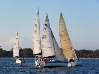 The new Twilight format successfully creates clumping around the marks in 22 Oct sail