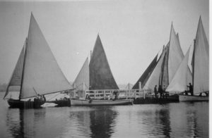 Boats with the Raymond Island Punt